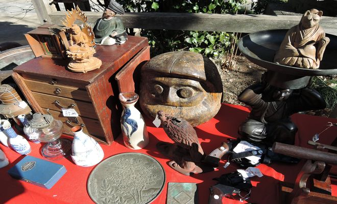 木彫りの民芸品