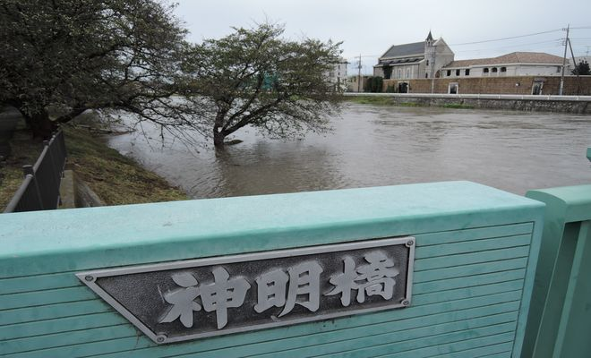 増水した元荒川(北越谷)