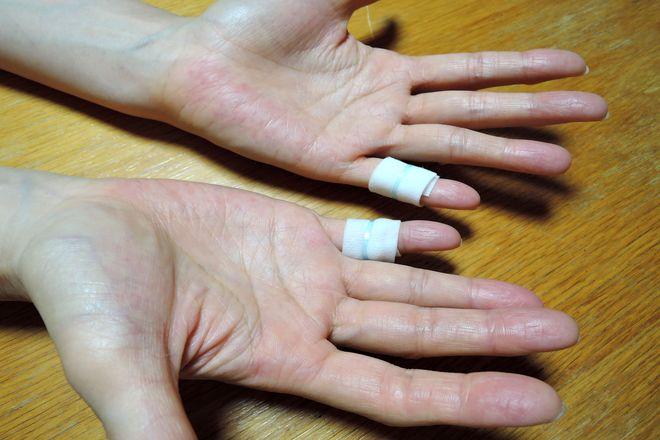 小指湿布のやり方