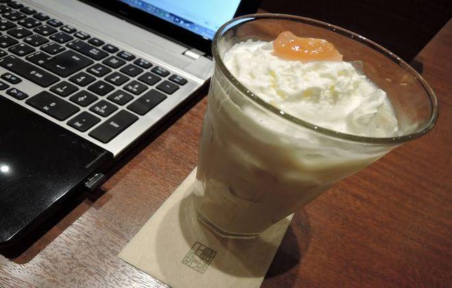 「ジャスミンミルク紅茶(いちじくのジャム添え)