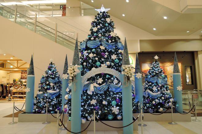 イオン浦和美園店のクリスマスツリー(1Fセントラルコート付近)