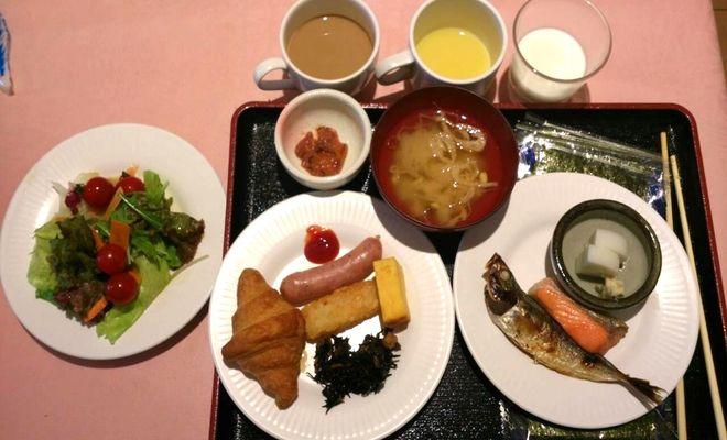 リカーヴ箱根滞在記|朝食は40分バイキングでかなり慌ただしい。